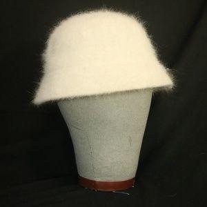 Eddie Bauer Women's One Size Cream Winter Hat